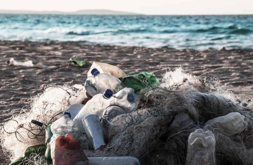 Plastik-an-Stränden